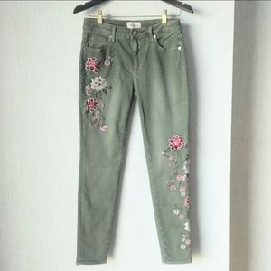 Driftwood olive Jackie jeans w/flower embroidery